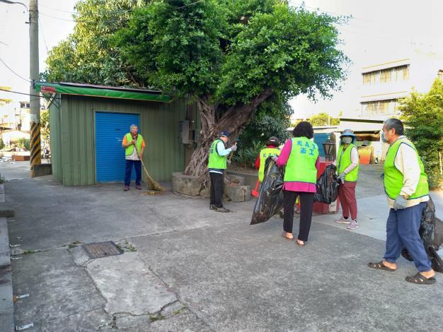 感謝小港區里鄰長及志工們維護咱們的社區居家環境