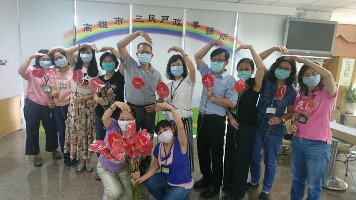 「暖心相守挺花農 母親節送火鶴為台灣加油」感恩活動