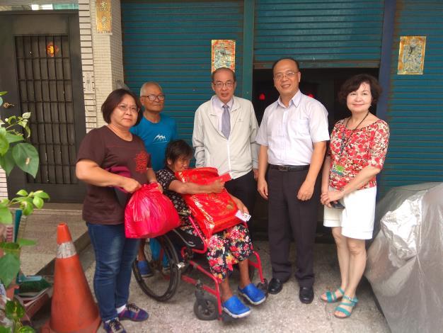 洪東煒副市長視察前金區,關心區政及關懷弱勢