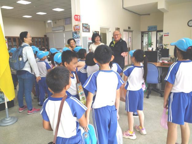 砂崙國小參訪區公所
