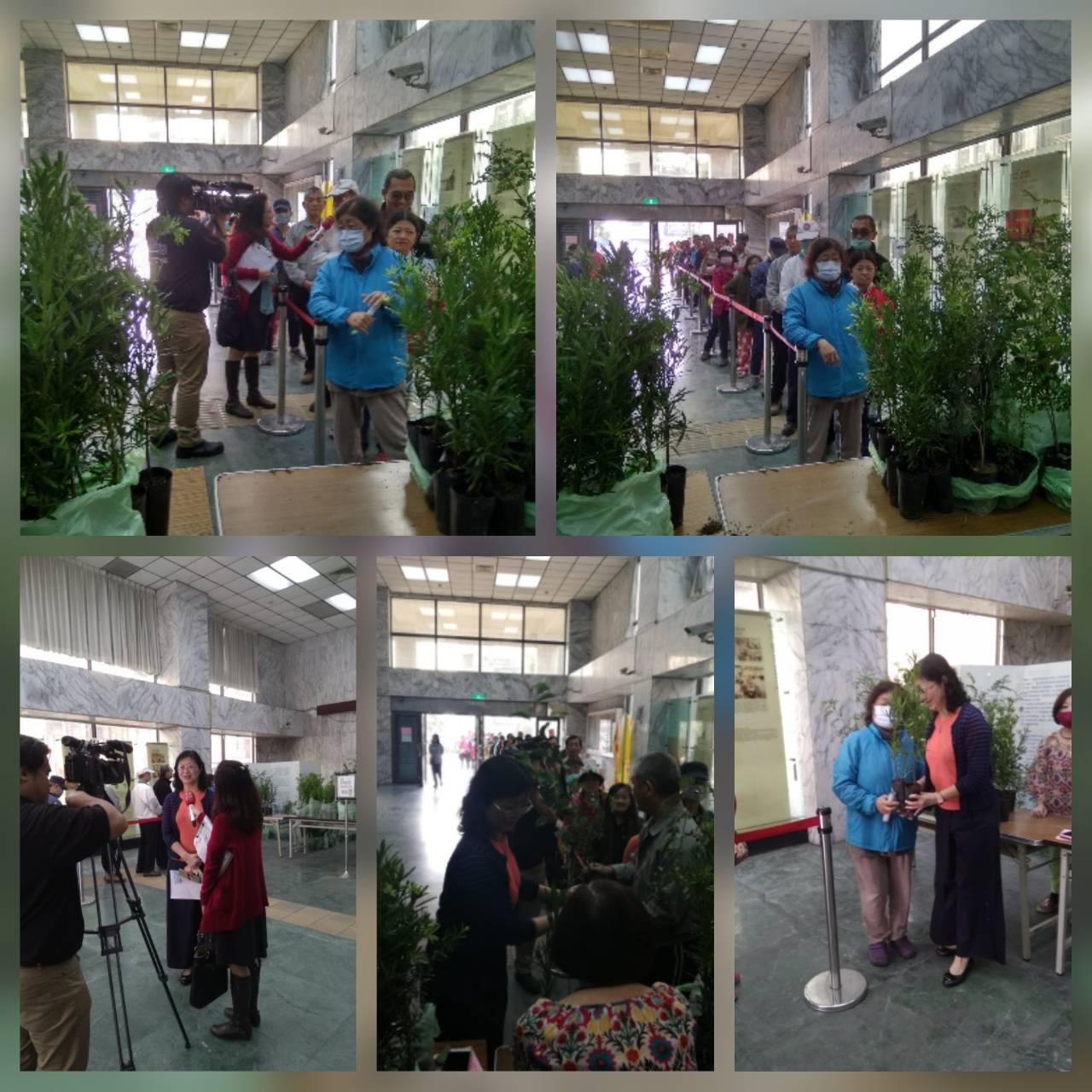 左營區吳區長淑惠親自參與「2019高雄戀戀植樹節」小樹苗贈送活動
