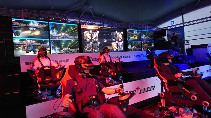 1070707 高雄啤酒音樂節之VR體感電競「閃電對決」