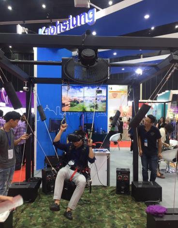 1070830-0901 泰國臺灣形象展_泰國當地廠商體驗VR遊戲魔幻飛行傘