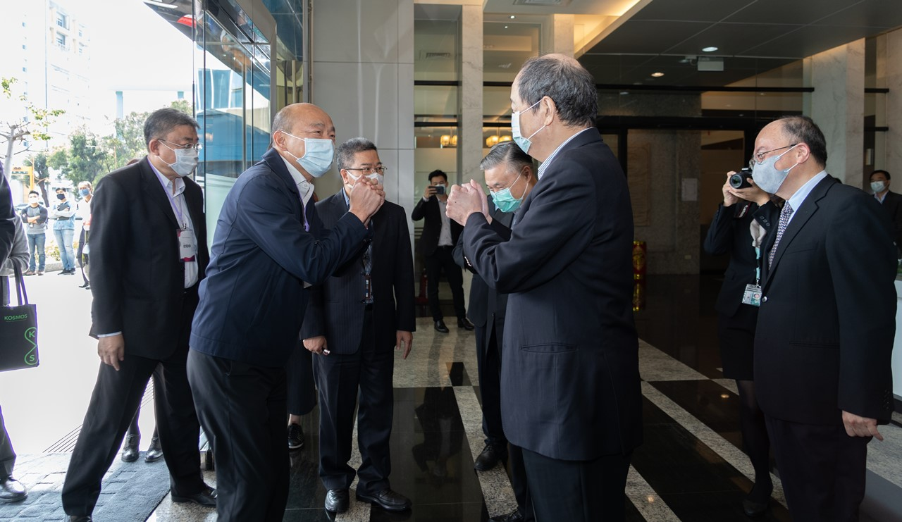韓國瑜市長參訪日月光高雄廠  盼帶領半導體產業鏈夥伴貫徹永續經營理念