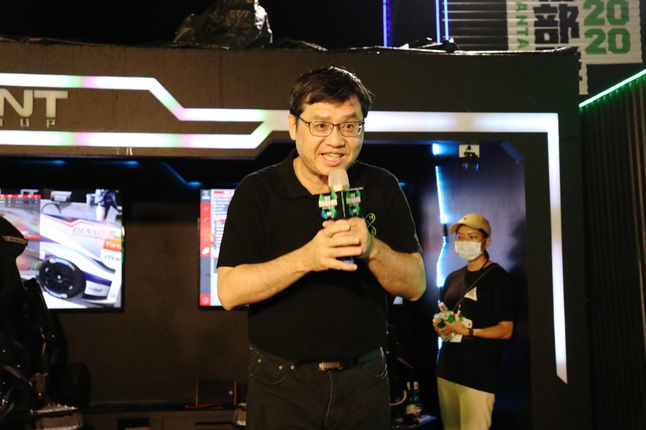 高雄體感重裝部隊巡迴屏東 潘孟安尬5G體感賽車飆風奪冠