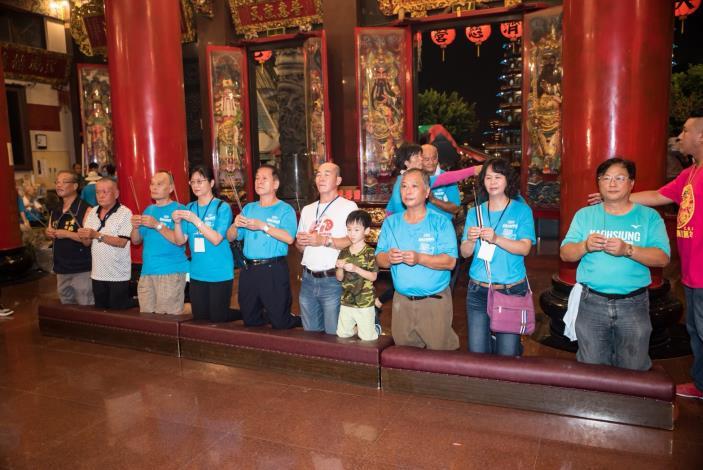 左營宮廟祈福與歌手演唱