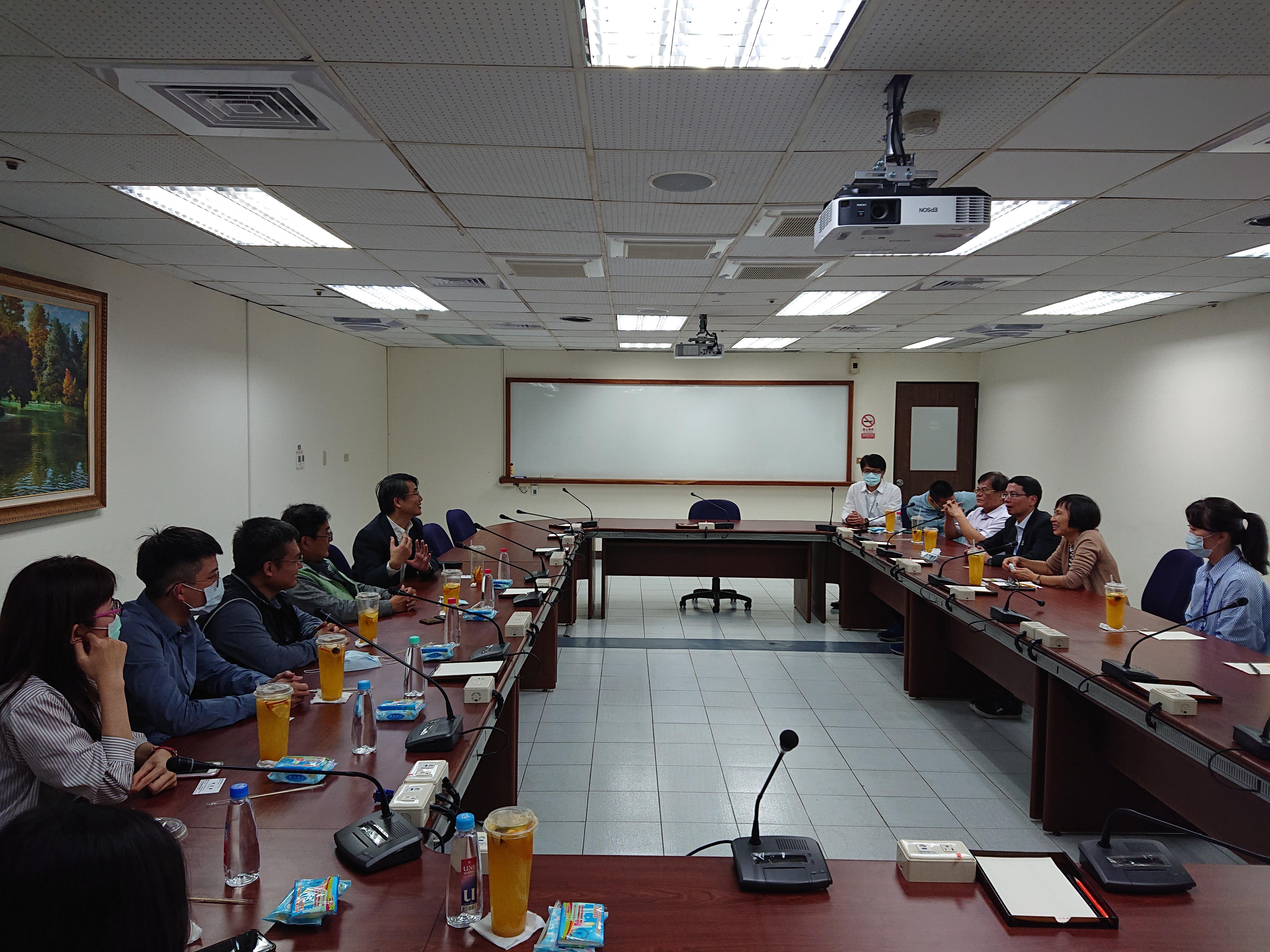 110年2月4日與屏東縣政府財稅局業務聯繫