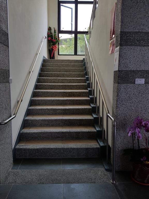 高齡樓梯扶手設計