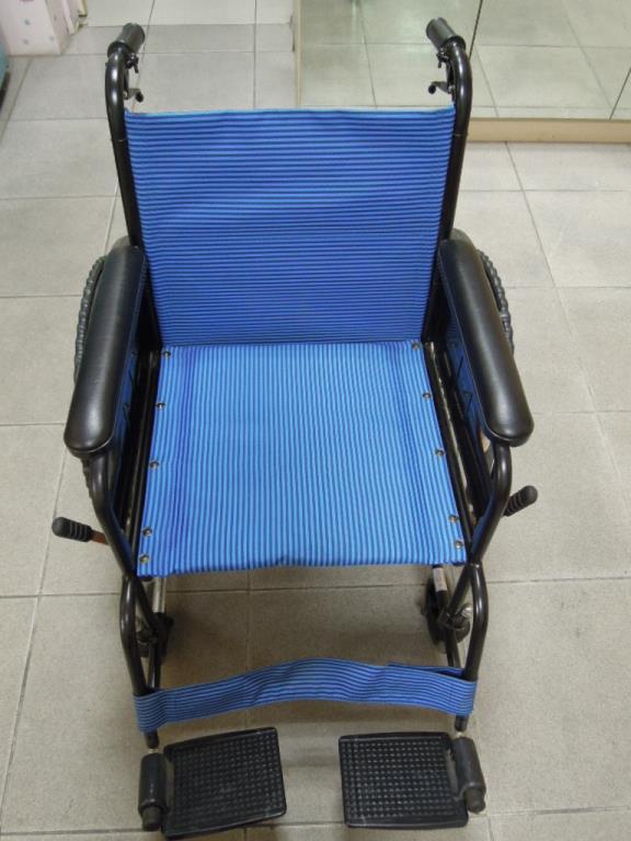 提供輪椅免費借用服務(需要的朋友請洽櫃檯志工媽媽)