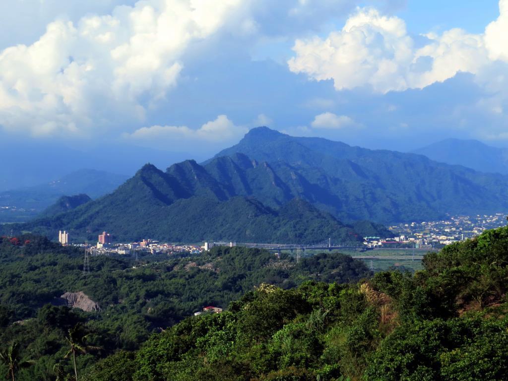旗尾山景圖