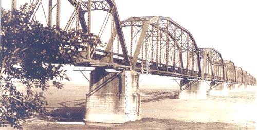下淡水溪鐵橋舊時期照片