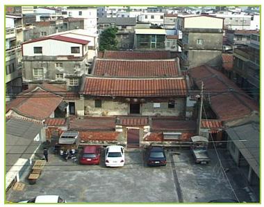 大社區現今唯一可見的三落大宅巫厝。