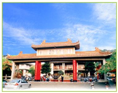 觀音山大覺寺因地理位置優越,香火鼎盛。