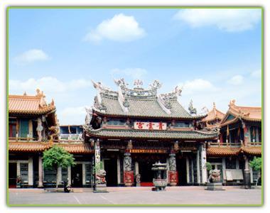 大社區青雲宮俗稱老祖廟,香火鼎盛。