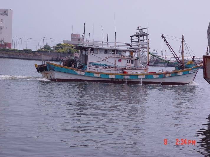 蚵仔寮漁港船隻