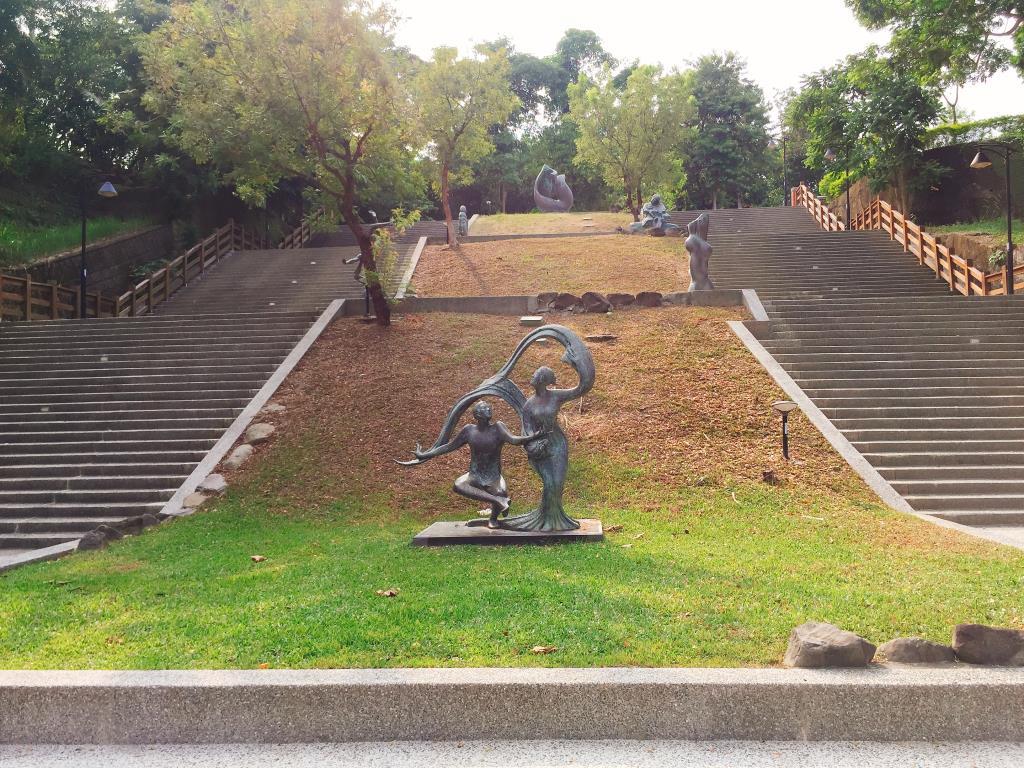 Jhongshan Park, 2 photo