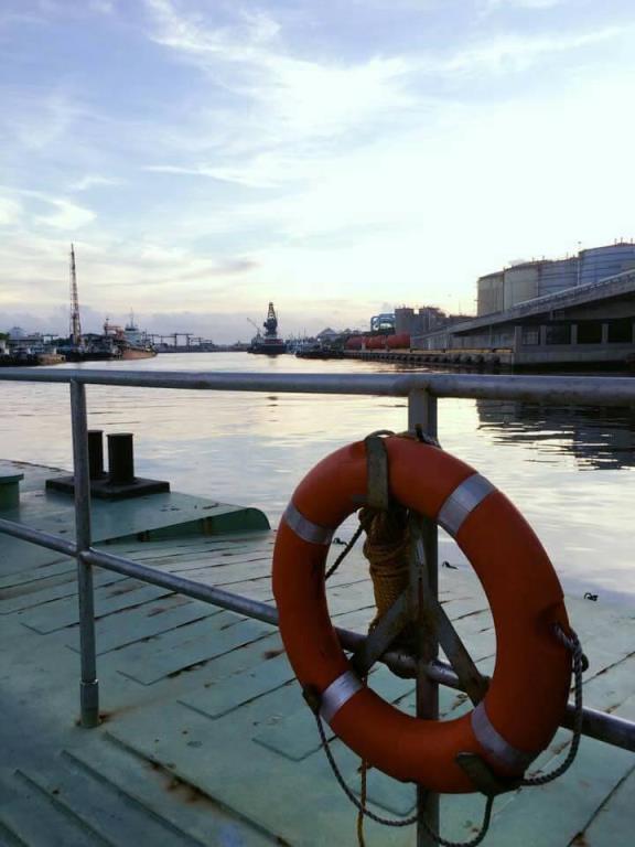 六點半的港口