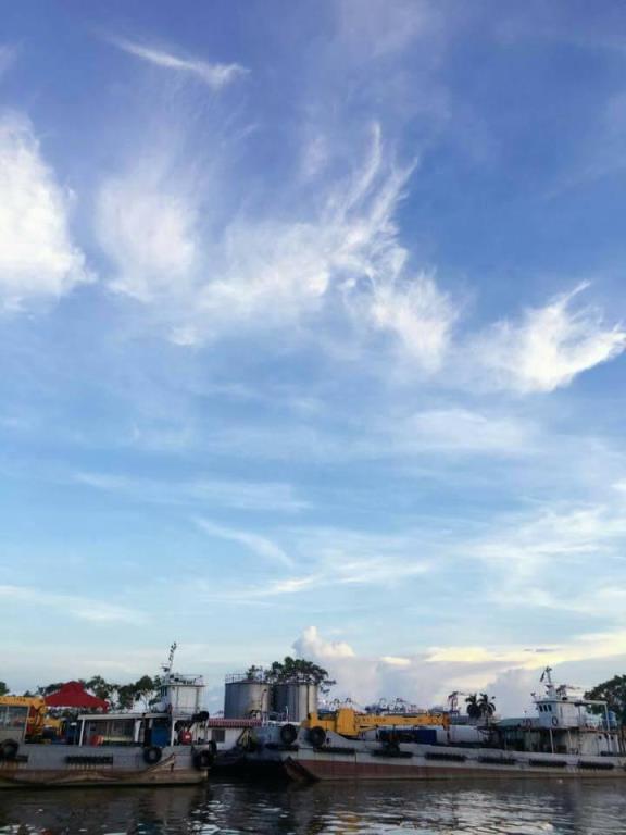 白雲像羽毛