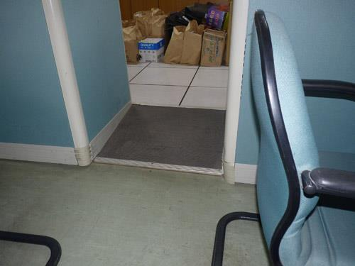 辦公室內通道前座椅