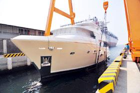 新郵艇下水測試