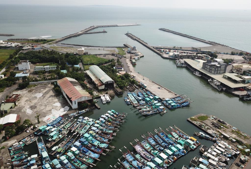 中芸漁港空照圖