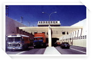 早期過港隧道模樣