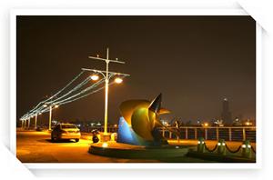 夜晚的旗津漁港