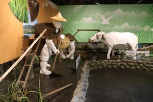 農人耕田模型展示1