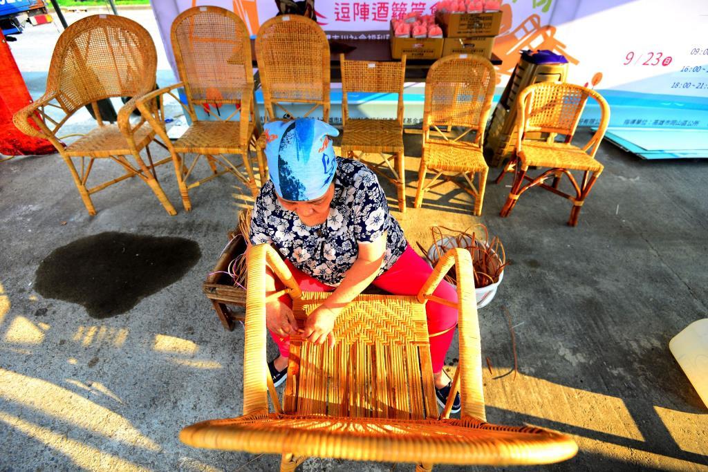 420-林珽佑-做藤椅采風
